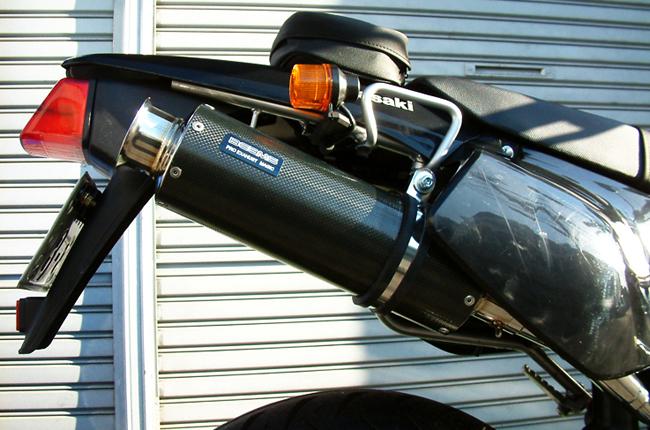 BEAMS 【お取り寄せ】SS300 カーボン アップタイプ S/O マフラー D-TRACKER/KLX250〔決済区分:代引き不可〕
