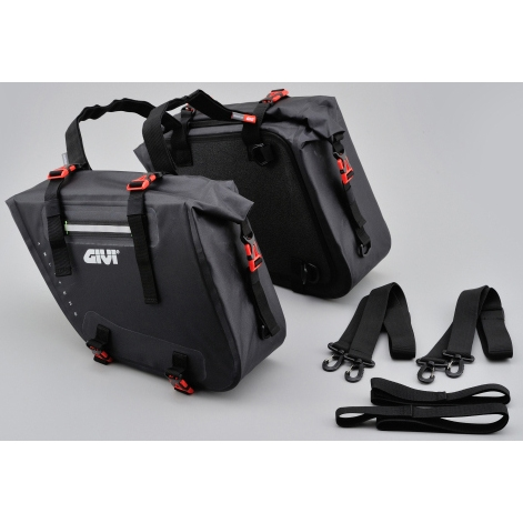 GIVI GRT708 防水サイドバッグ(左右セット)