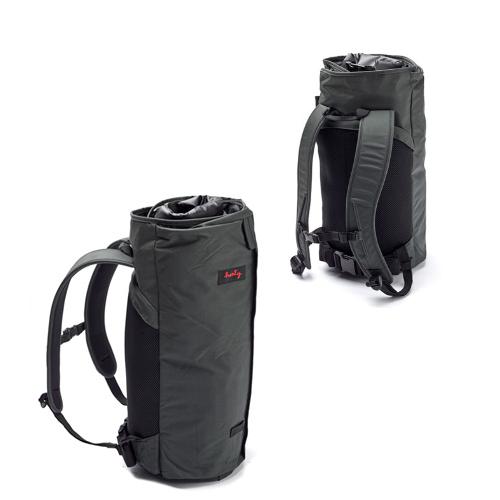 Henty Wingman BackPack 2 STD ウイングマン バックパック 2 スタンダード ダークグレー/ブラック スーツバッグ/ガーメントバッグ
