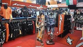 「MotoGP」超有名選手のレーシングスーツ展示中!!